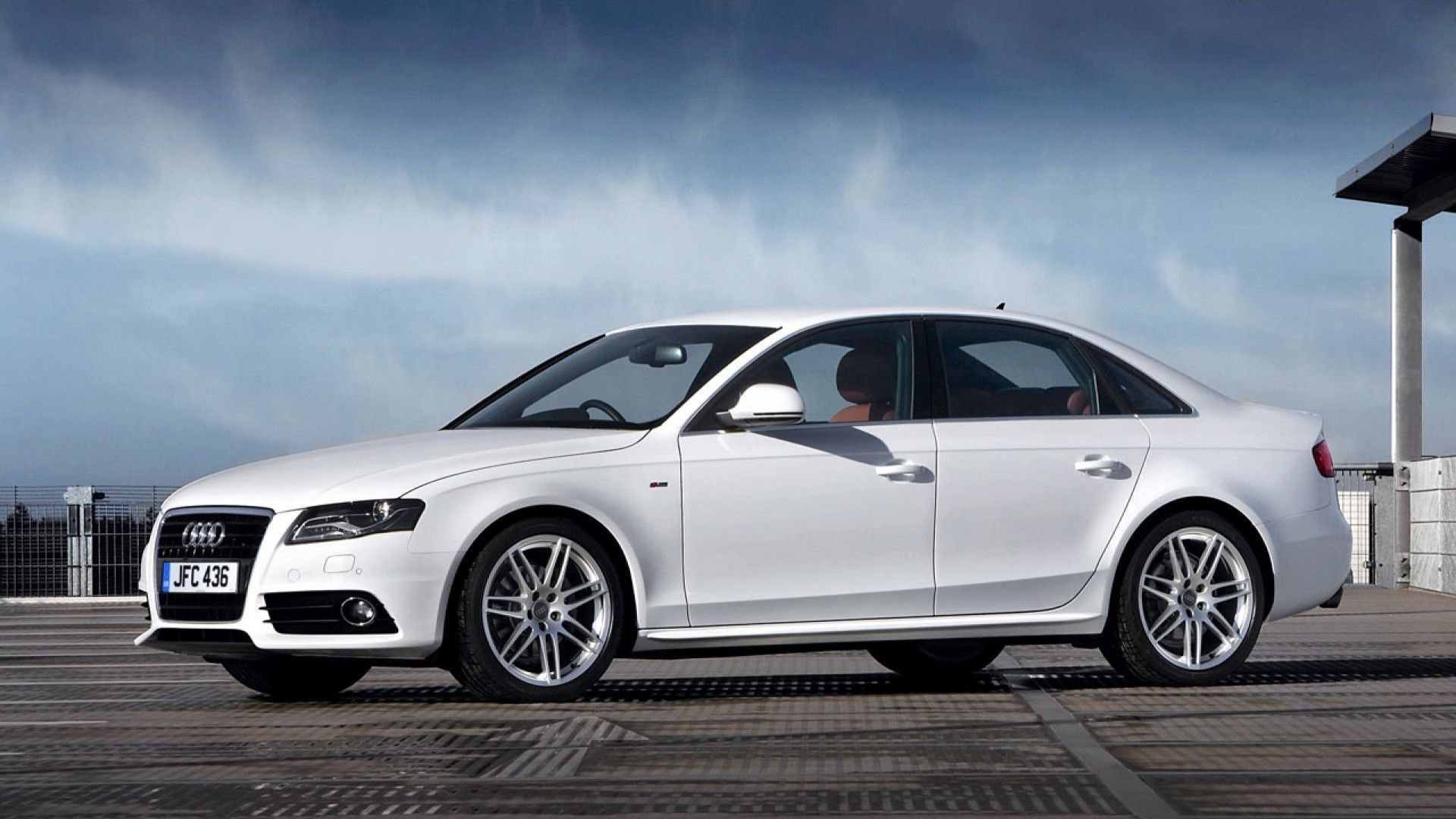 Audi A4 (2007 to Present)