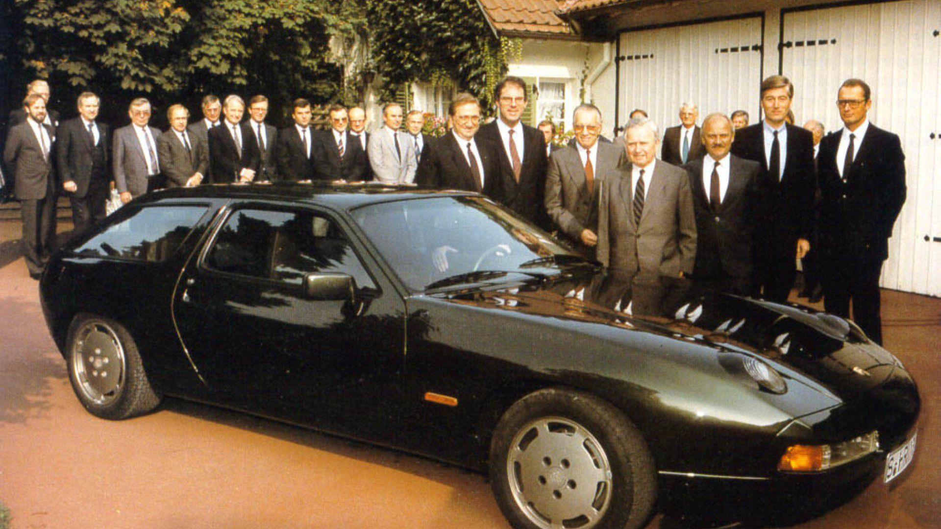 Porsche 942